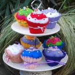 cup cakes on cake stand 2 small 460px